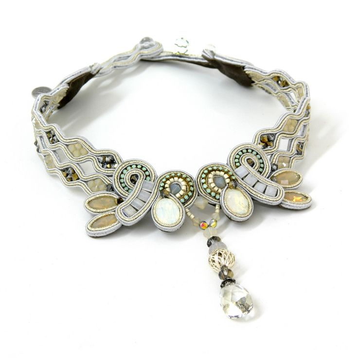 Chiara romantic bridal collar by Dori Csengeri #DoriCsengeri #bridal #choker #collar #jewelry #romantic