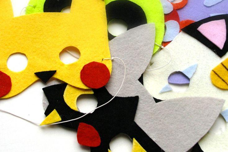 Créer des masques en feutrine (la forme + les rajouts, ex : joues de pika)
