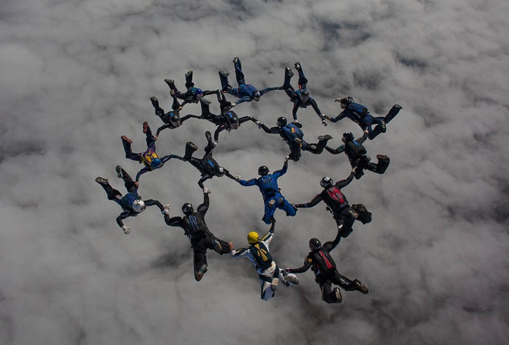 Galería de imágenes de paracaidismo -16 WAY TROPHY 2012, fotos y videos de paracaidistas en caída libre, bajo campana...