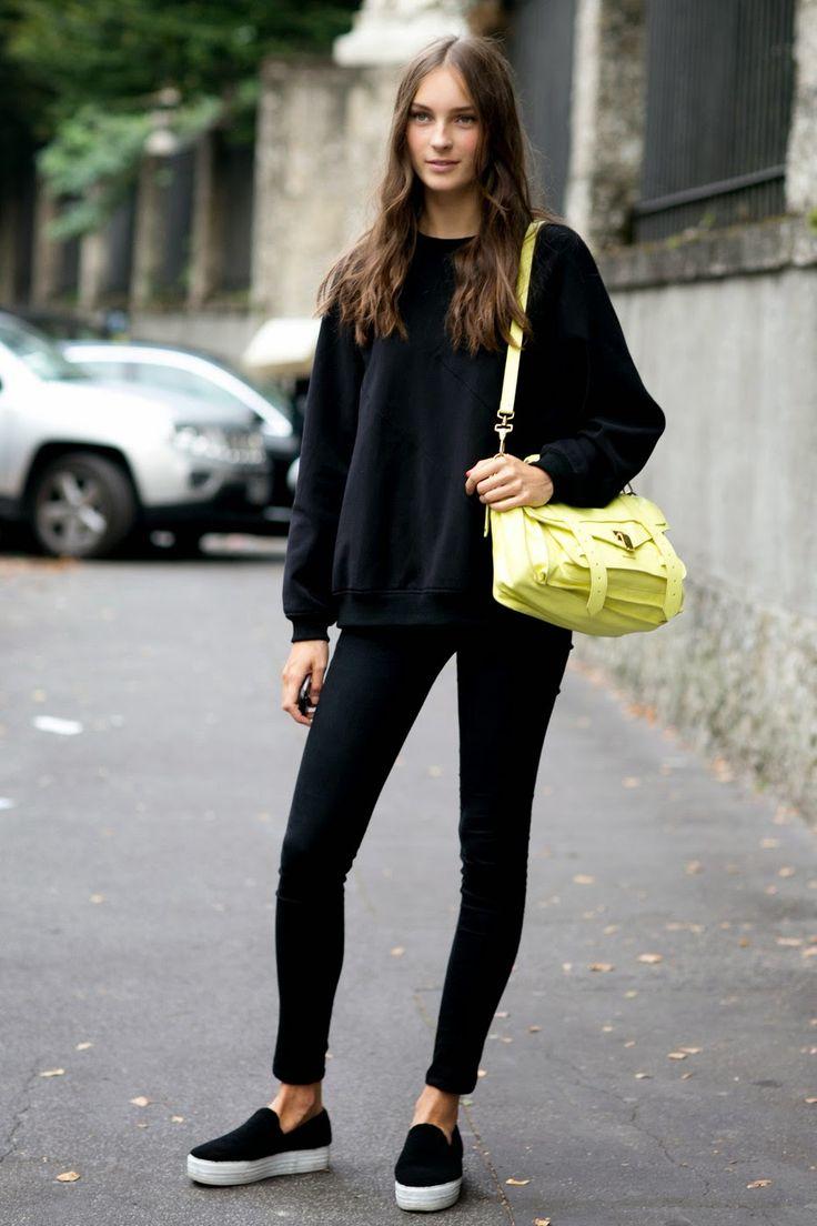 Model Street Style: Julia Bergshoeff's Simple Black Look