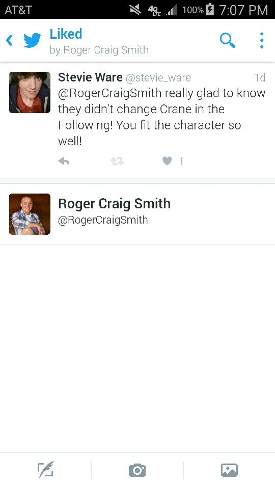 So this happened again xD Roger Craig Smith noticed me!! The voice of Kyle Crane in Dying Light