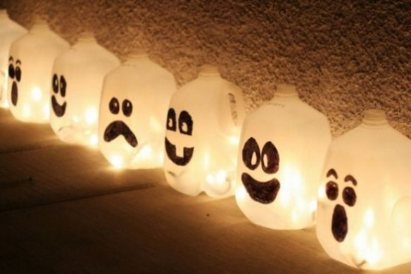"""It doesn't get any easier than this: Milk jug """"ghosts"""" made from empty gallon-sized plastic milk jugs with faces drawn with permanent markers. Description from homesandhues.com. I searched for this on bing.com/images"""