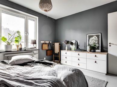 Romantyczne dekoracje w szarej sypialni (53351)