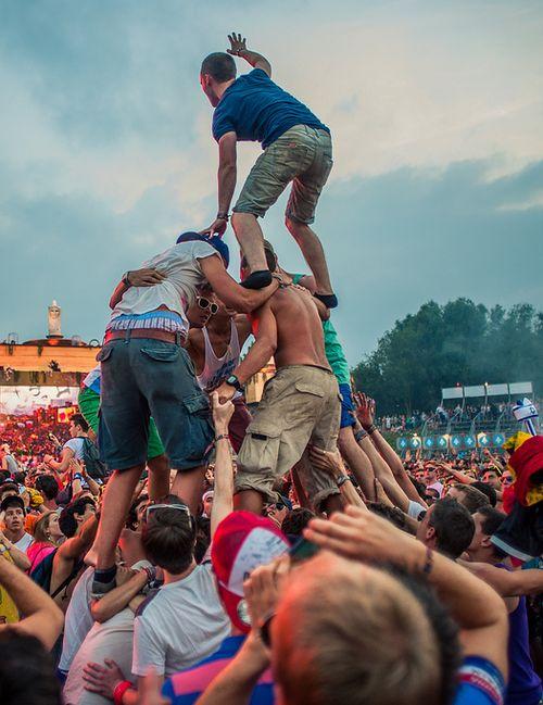 Crazy Rave @ tomorrowland 2013