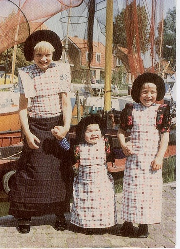 NETHERLANDS NATIONAL COSTUMES FROM SAS80, via Flickr.