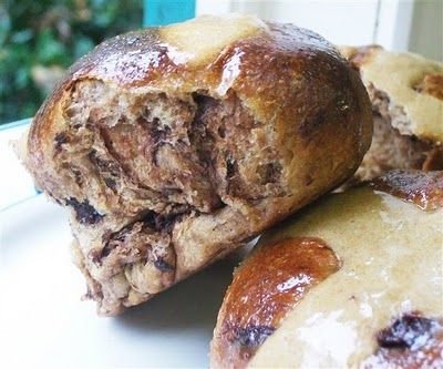 Quirky Cooking: Hot Cross Buns- like her idea of putting in cold oven with tray of boiling water to prove.