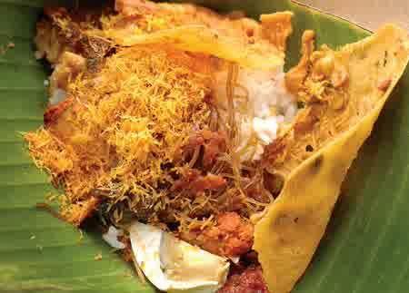 Nama nya Nasi Serpang ada yang mau coba?? Silahkan datang ke madura atau temukan makanan ini dikota lain.