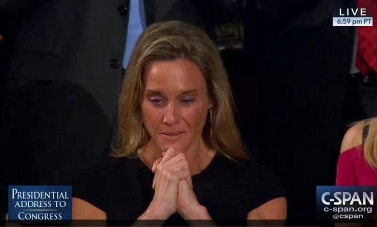 President Trump recognized Carryn Owens — the wife of Navy SEAL William Ryan Owens, who was killed in Yemen — during his speech to Congress on Tuesday. The applause for Owens went on for longer than 2 minutes. We are blessed to be joined tonight by Carryn Owens, the widow of a U.S. Navy Special Operator, Senior Chief William 'Ryan' Owens, Trump said. Ryan died as he lived: a warrior, and a hero — battling against terrorism and securing our nation.