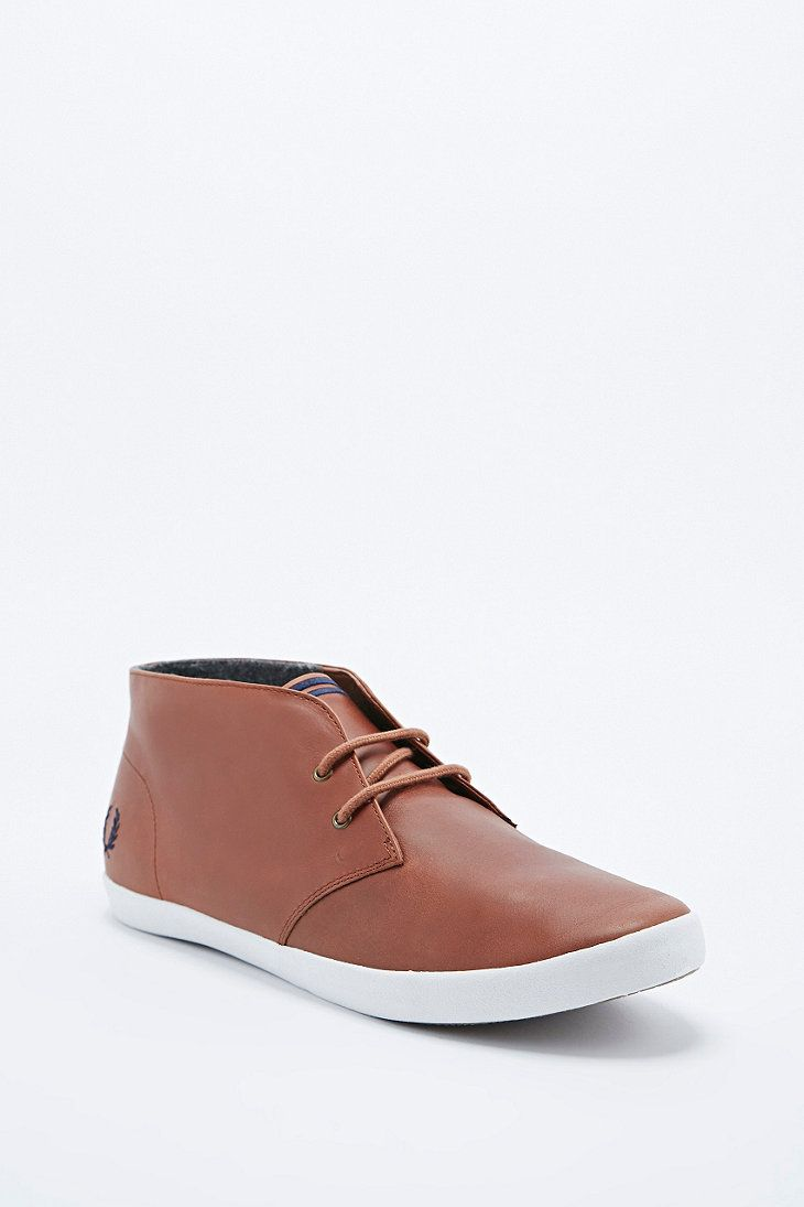 Fred Perry Byron Chukka Leather Boots in Tan - Urban Outfitters