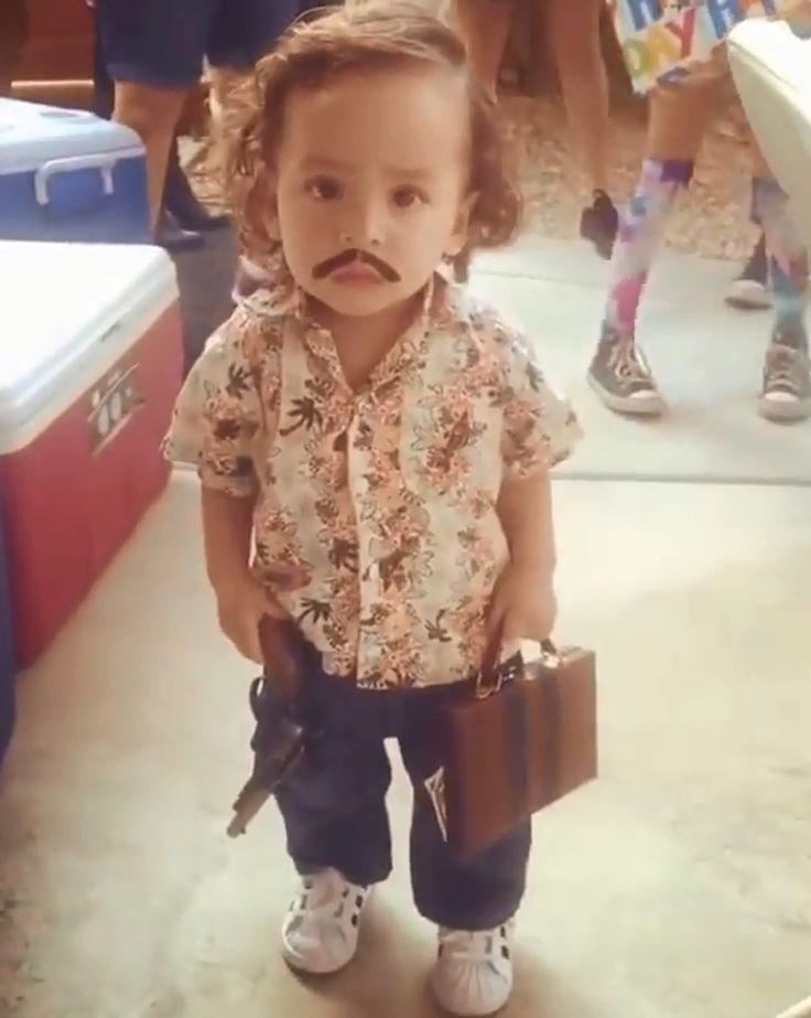 28 Kids Who Deserve An Apology From Their Parents. - http://www.lifebuzz.com/inappropriate-costumes/