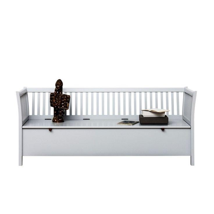 Beställ Oliver Furnitures vita kökssoffa. En vacker vit möbel som är skön att sitta i. Kökssoffan passar i köket, vardagsrummet eller i en inglasad veranda. Kökssoffor passar med alla Oliver Furnitures matbord. Under kökssoffans lock finns ett stort förvaringsutrymme. Artikelnr: 091111 - vit. Mått - 194 x 60 x 80 cm. Färg: Vit. Köp Oliver Furnitures vackra möbler i dansk design.