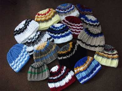 pinner said: I got this pattern from my 95 year old aunt.  She has made over 1000 of these during the past few years and donated them to shelters and women's prisons.