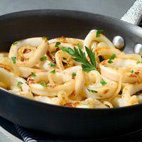Découvrez la recette Calamars aux olives sur cuisineactuelle.fr.