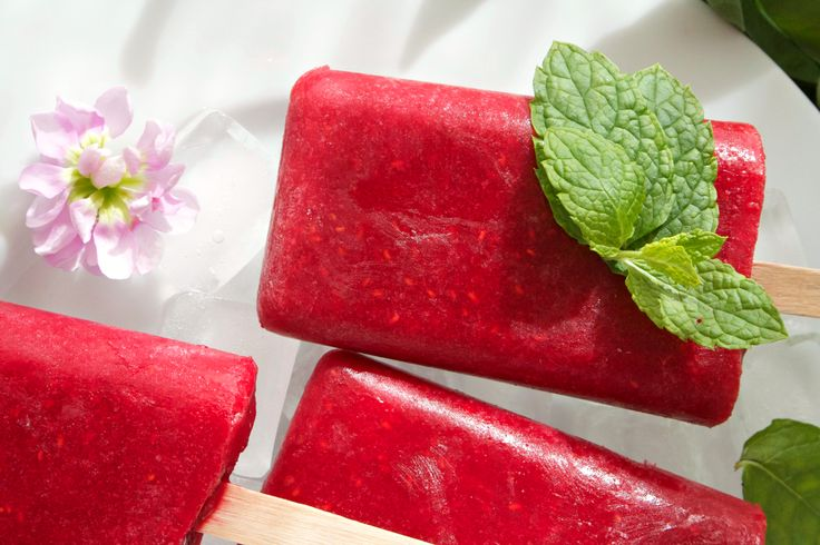 Raspberry Mango Popsicles // Isglass | Vibrant Food Stories