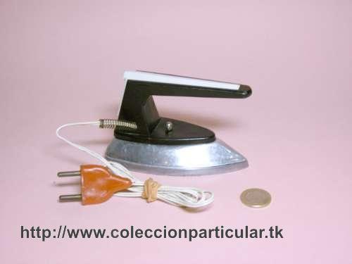 coleccionparticular - Planchita años 60 eléctrica  de viaje