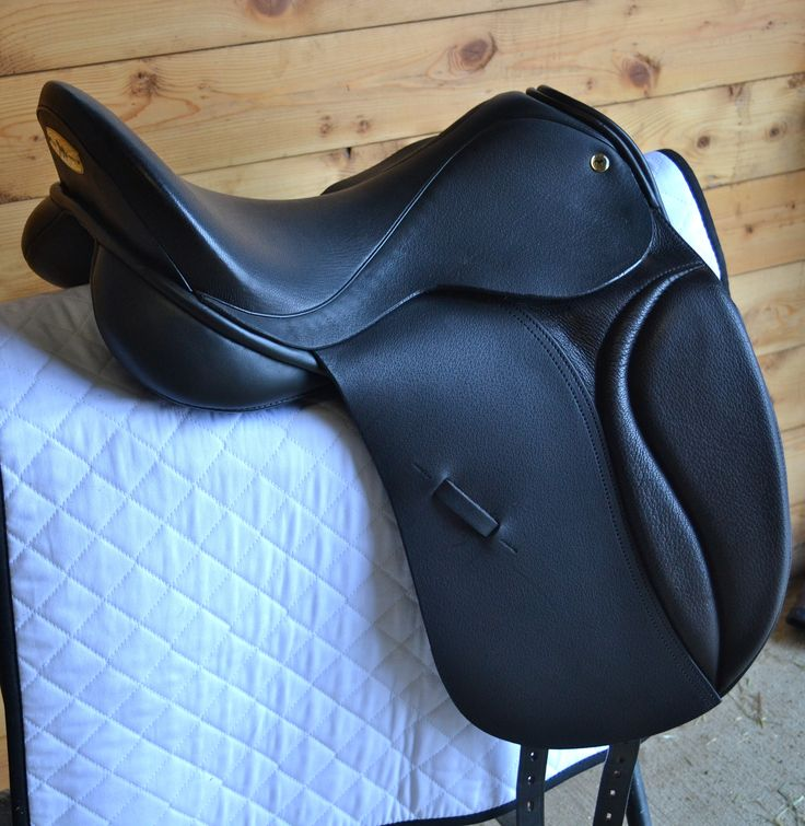 The Black Country Eden is an innovative model, with a specialized tree. The design lends itself to horses with a more curved back or a steep angle to the croup. This allows the maximum contact and stability needed, for these difficult to fit horses. This paired with a deep seat and narrow twist, allows ultimate …