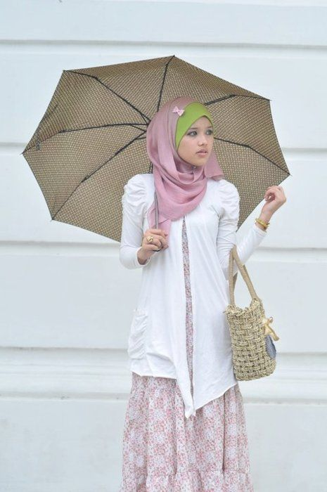 Spring Hijab - Lovely and effortless look - all the pieces and parts can be sourced at almost any retailer. <3