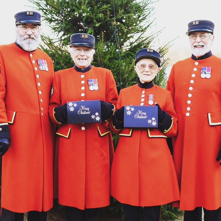 Merry Christmas to all, from the nation's iconic veterans of the British Army, the Chelsea Pensioners. As always, we would like to give special mention and our warmest regards to those members of the British Armed Forces serving overseas at this time of year: Thank you for your service and have a wonderful day.  🎄