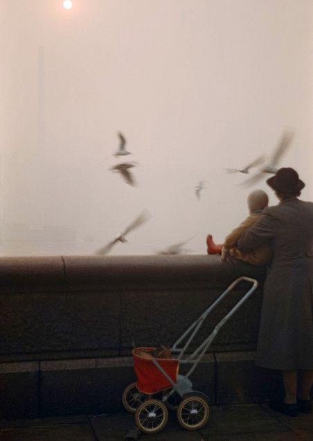Inge Morath.  Fog on the Thames, London, 1954.