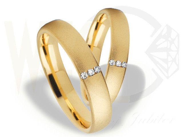 Obrączki ślubne z żółtego złota z diamentami/ Wedding rings made from yellow gold with diamonds/ 2 564 PLN #rings #weddingrings #gold #diamonds #jewellery