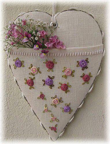 Meu coração tem segredos que movem a solidão....
