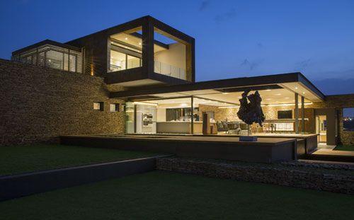 HOUSE BOZ Designed by: Werner van der Meulen Location: MooiKloof Heights, Pretoria, South Africa