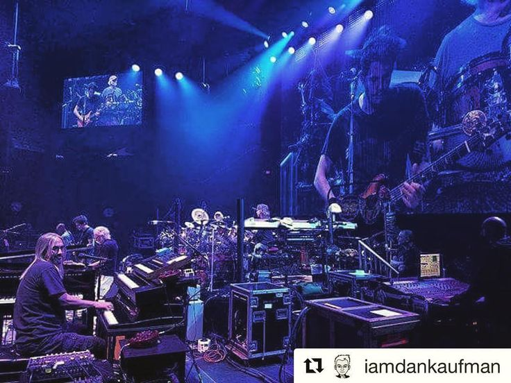 Happy Monday  We noticed Jeff Chimenti is rocking his new Vintage Vibe Piano rig with @deadandcompany! How cool is that?! Anyone going to any of these shows? ---- #vintagevibe #vintagevibepiano #jeffchimenti #deadandco #deadandcompany #gratefuldead #tour #johnmayer #electricpiano #piano