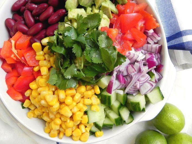 Σαλάτα των χρωμάτων. (Με τα θρεπτικά συστατικά και διατροφικά στοιχεία της).