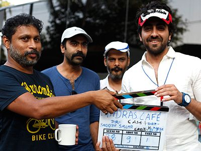 Ayushmann Khurrana turns AD for Madras Cafe!