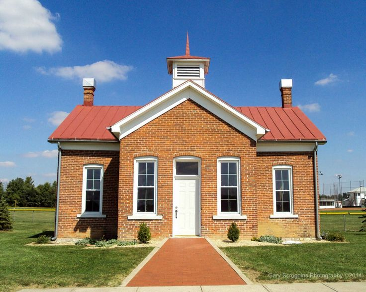 Simmons one-room schoolhouse in Hope, Indiana | photo by Gary Scroggins