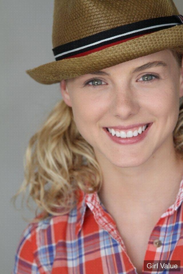 """{""""token"""":""""11105""""} - Actress Laura Slade Wiggins"""