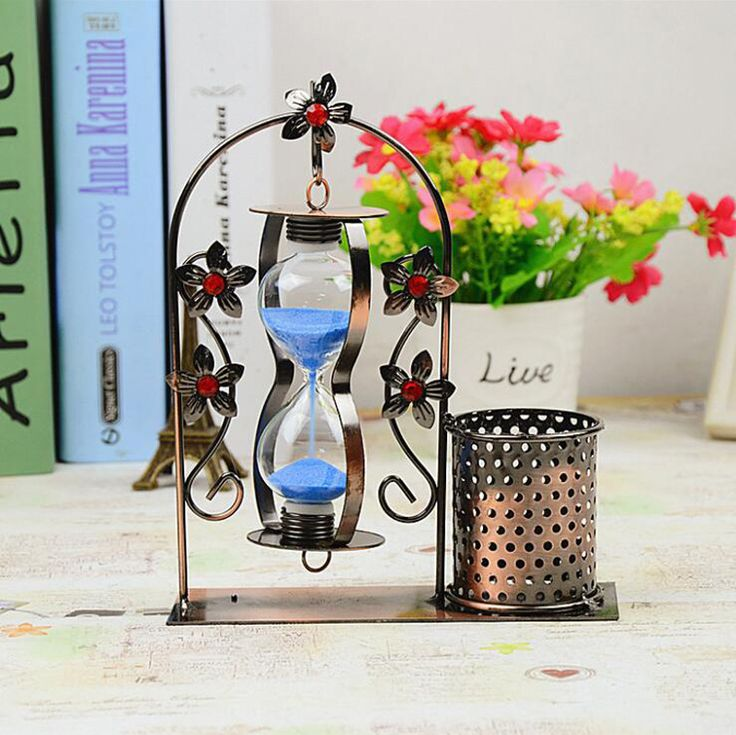 Creative Metal Pen Pencil Holder Glass Hourglass Sandglass Sand Timer Clock Home Office Decor Gift. Yesterday's price: US $12.73 (10.53 EUR). Today's price: US $12.73 (10.48 EUR). Discount: 9%.