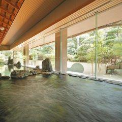 島根県玉造温泉の宿ホテル玉泉は広々ゆったりとして自然との調和楽しめる大浴場が特徴です 食事は日本海の海の幸をふんだんに使用していて食べきれない程の豪華さです 玉造温泉の中でもおすすめな宿の一つです tags[島根県]