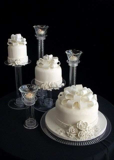 White Fondant with Bow