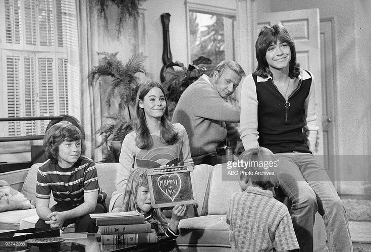 FAMILY - 'The Undergraduate' 10/8/71 Danny Bonaduce, Suzanne Crough, Susan Dey, Dave Madden, Brian Forster, David Cassidy