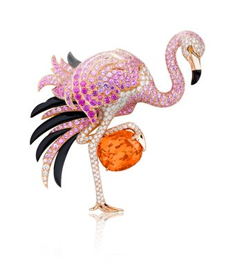 Flamingo clip, California rêverie collection, Van Cleef & Arpels  Pink gold, diamonds, sapphires, spessartite garnet, onyx, one cushion-cut Mandarin garnet
