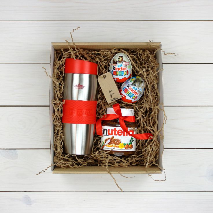 Подарочный набор в комплекте с киндер-сюрпризои, теркоружкой, шоколадной пастой + красивое оформление. Возможна доставка по всей Беларуси.