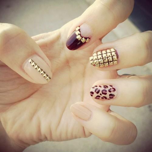 nude, black & leopard print nails w/ studs. LOVE <3