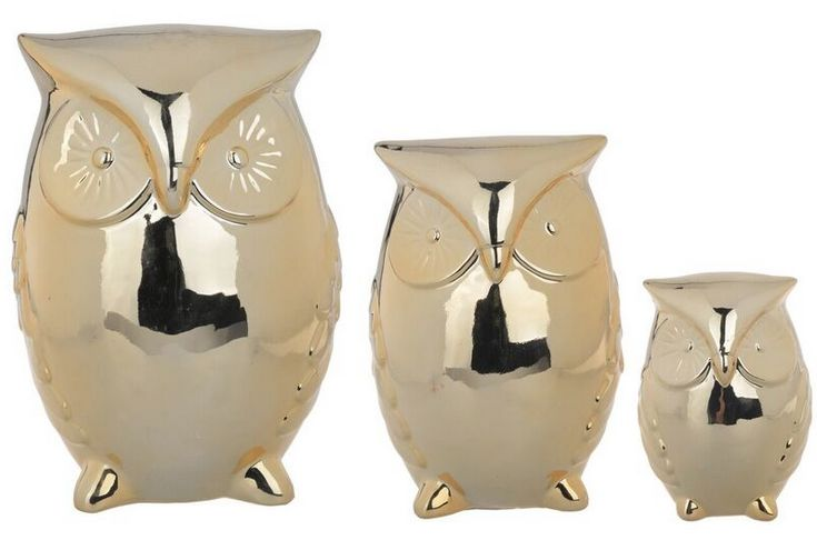 NEW in - Our set of three ceramic gold owls is a bright and striking decorative piece. Sleek, modern while reflecting personal taste, our set of three ceramic gold owls will be a stand out piece and talking point wherever you display them.