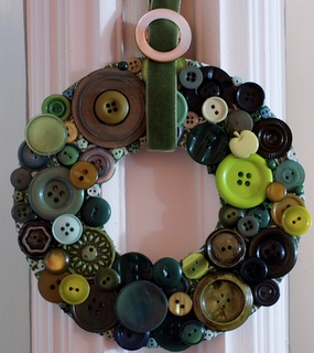 button wreath...Keep the colours to red or green or whatever colour Christmas is in your house.Could also do it with old broken jewellery.