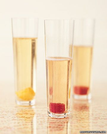 Fruit-infused sugar cubes subtly flavor glasses of bubbly
