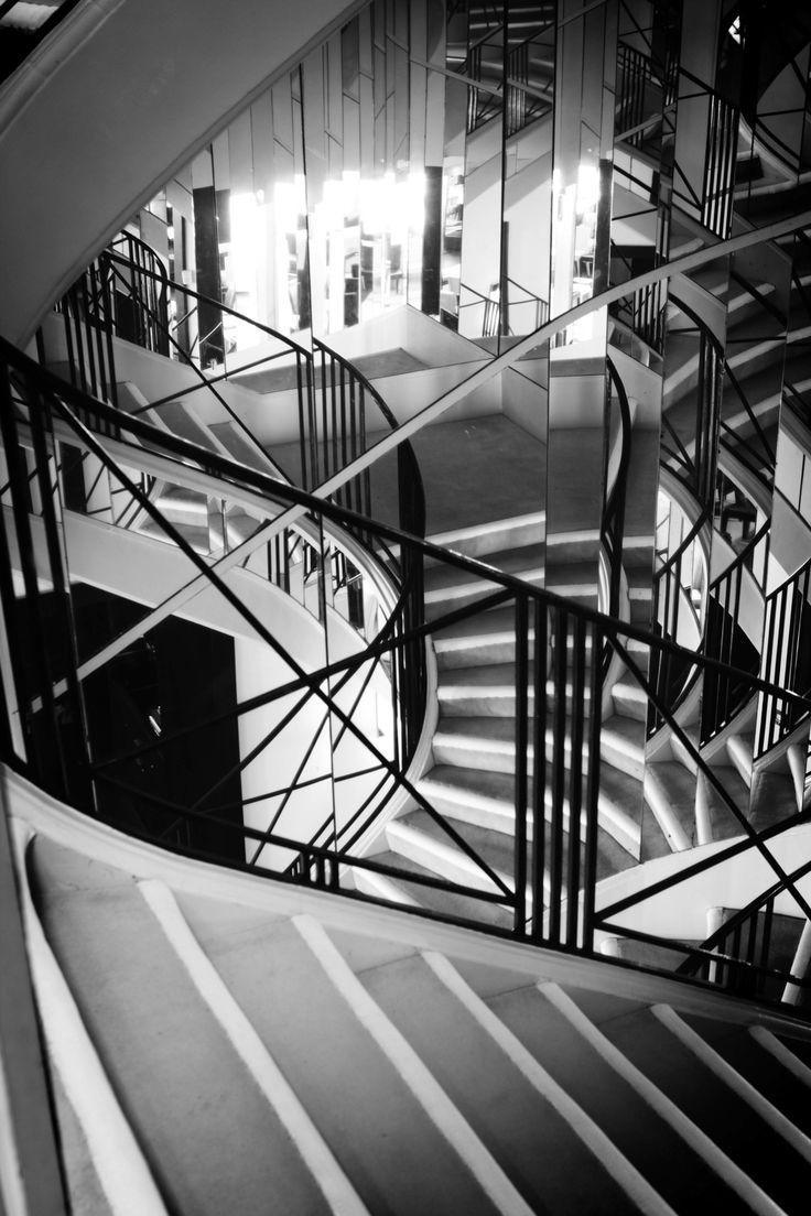 in mostra le foto dell'appartamento privato di coco chanel scattate da sam taylor johnson | i-D Magazine