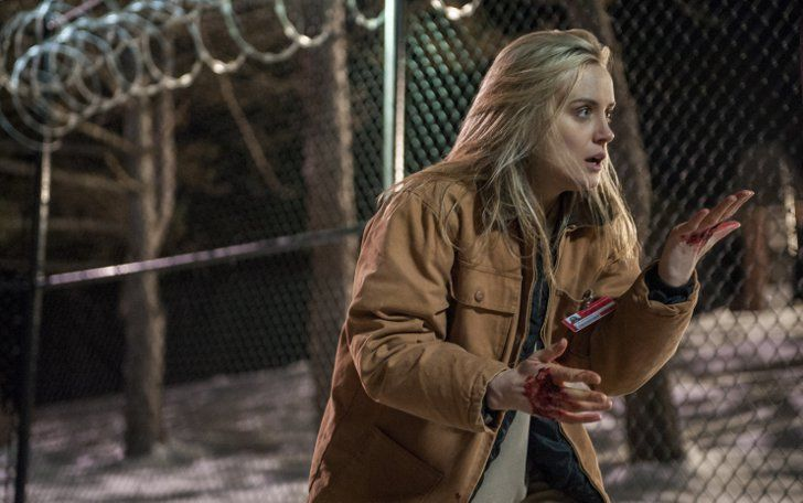 Pin for Later: Orange Is the New Black Season 2: See All the Pictures  Piper (Taylor Schilling) looks at blood on her hands. Source: Netflix