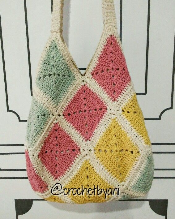 My first granny squares bag
