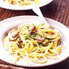 Een heerlijk recept: Nigella Lawson: linguine met citroen paddenstoelen en tijm