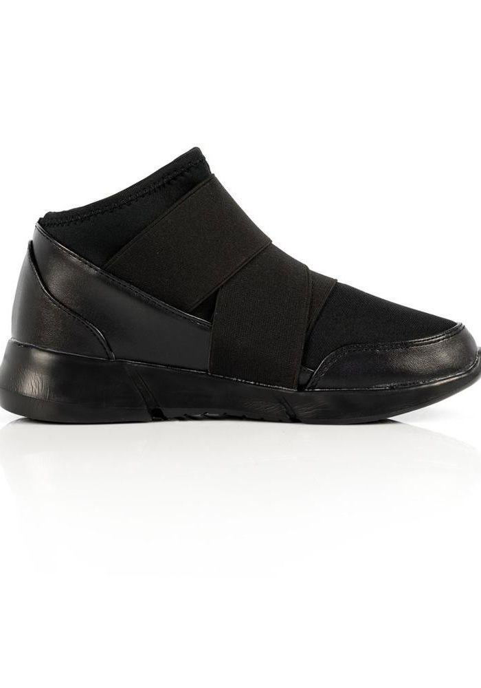 Μποτάκι flaform sneakers με ύφασμα και δερματίνη λεπτομέρειες. Το μποτάκι έχει λωρίδες από ελαστικό ύφασμα και σκρατς κούμπωμα. Ιδανικό για τις casual εμφανίσεις σου.  Ύψος σόλας στο τακούνι 3cm