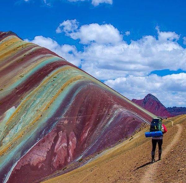 Радужные горы Перу