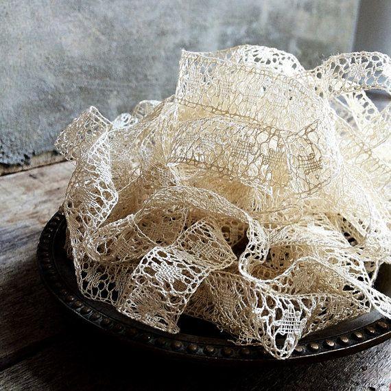 Hoi! Ik heb een geweldige listing op Etsy gevonden: https://www.etsy.com/nl/listing/463341963/franse-antieke-handgemaakte-klosje-lace