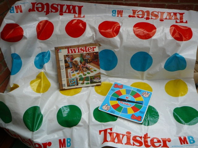 1970S TWISTER BOARD GAME