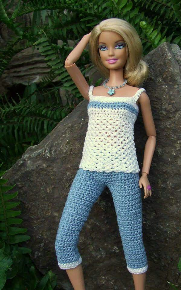 Camiseta y pantalon crochet para Barbie.